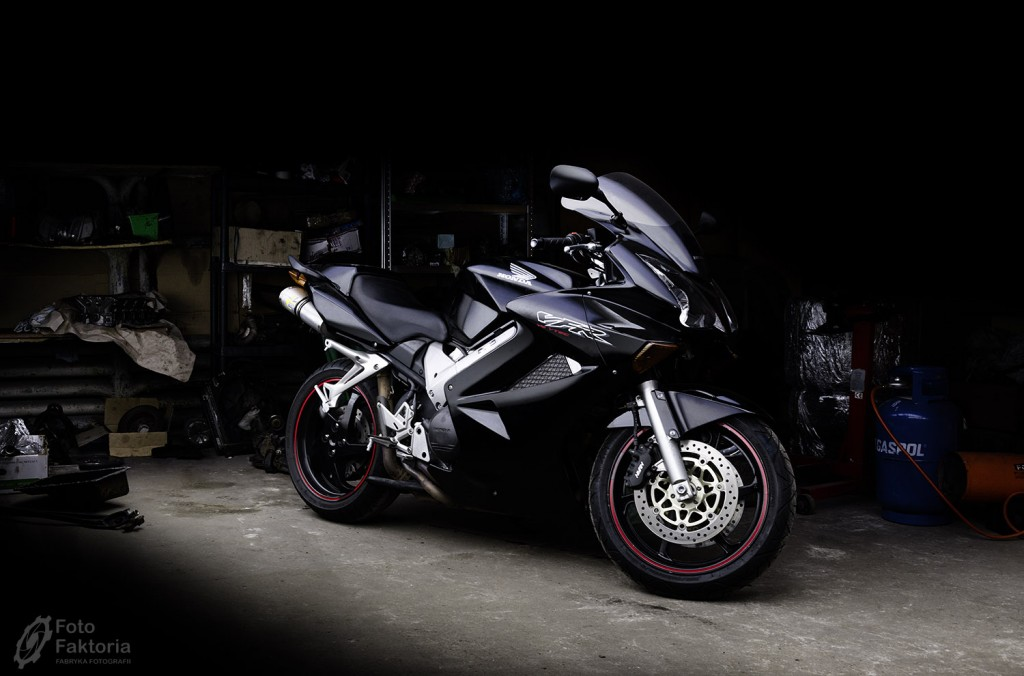 1502-HONDA VFR LIGHTPAINTING-02lowres